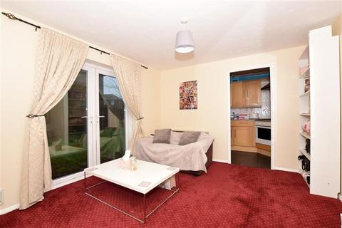 1 bedroom ground floor flat for sale - Walcheren Close, Deal, Kent