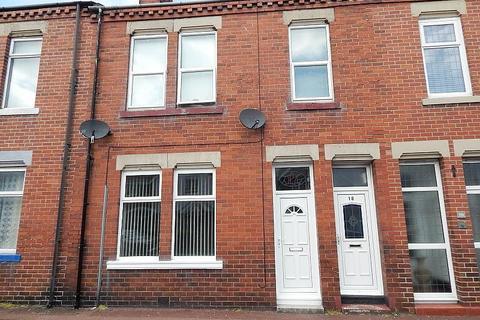2 bedroom flat for sale - Sandringham Terrace, Roker