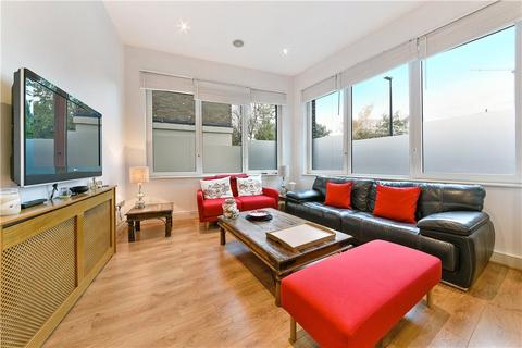 2 bedroom flat for sale - Halcyon Wharf, 5 Wapping High Street, London, E1W
