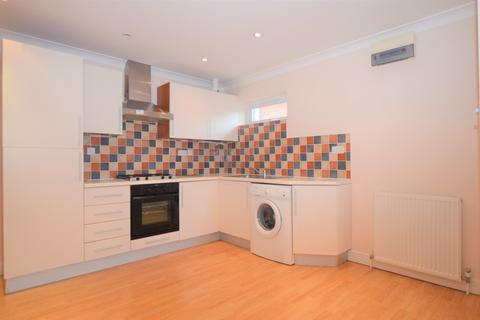 2 bedroom apartment to rent - Wych Hill, Woking