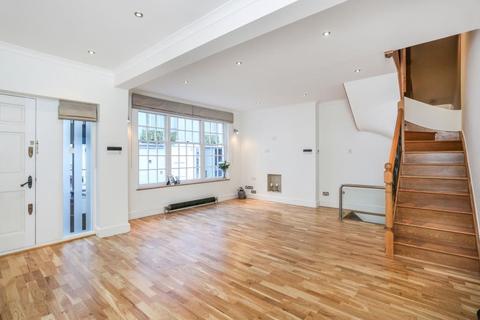 3 bedroom mews to rent - Shepherd Street, Mayfair, London, W1J