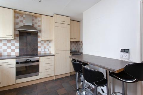 2 bedroom flat to rent - Fauconberg Road, Chiswick, W4