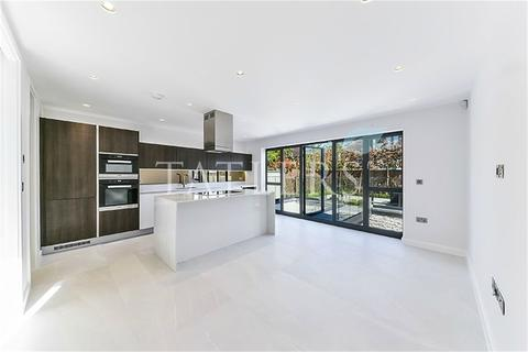 5 bedroom detached house for sale - Yewtree Close, Muswell Hill Borders, London