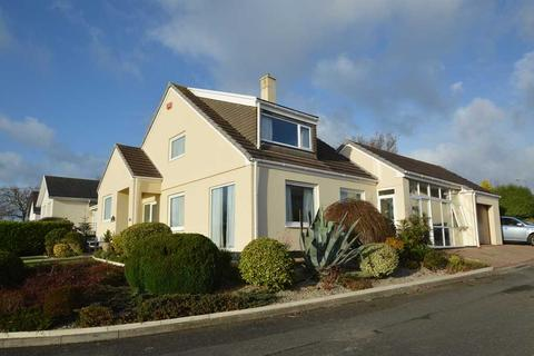 4 bedroom detached house for sale - MYLOR BRIDGE