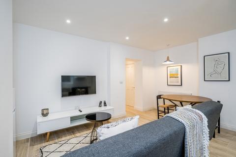 1 bedroom flat to rent - Blomfield Villas, London