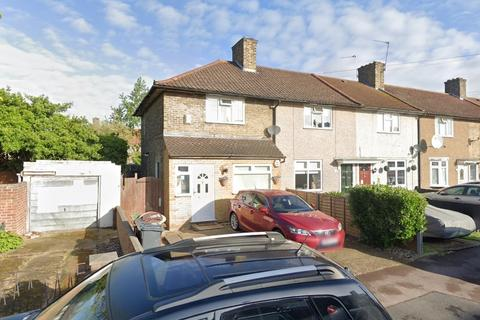 2 bedroom end of terrace house to rent - Rowdowns Road, Dagenham, RM9 6NH