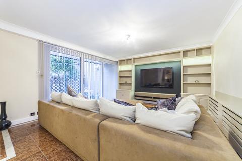 3 bedroom mews to rent - William Mews, Knightsbridge, London, SW1X