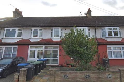 2 bedroom ground floor flat for sale - Princes Avenue, London