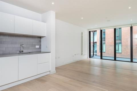 1 bedroom apartment - Echo Court, Royal Wharf, Royal Docks, E16