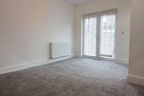 3 bedroom end of terrace house to rent - Walter Street, Old Trafford, Manchester