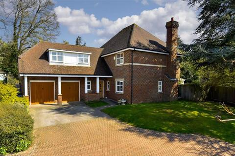 5 bedroom detached house for sale - Woodlands Gardens, Epsom Downs, Surrey