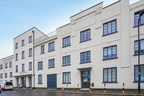 2 bedroom flat to rent - Tech West House, Acton, London, W3