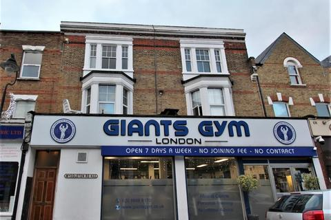 3 bedroom apartment to rent - Myddleton Road, Bounds Green, N22