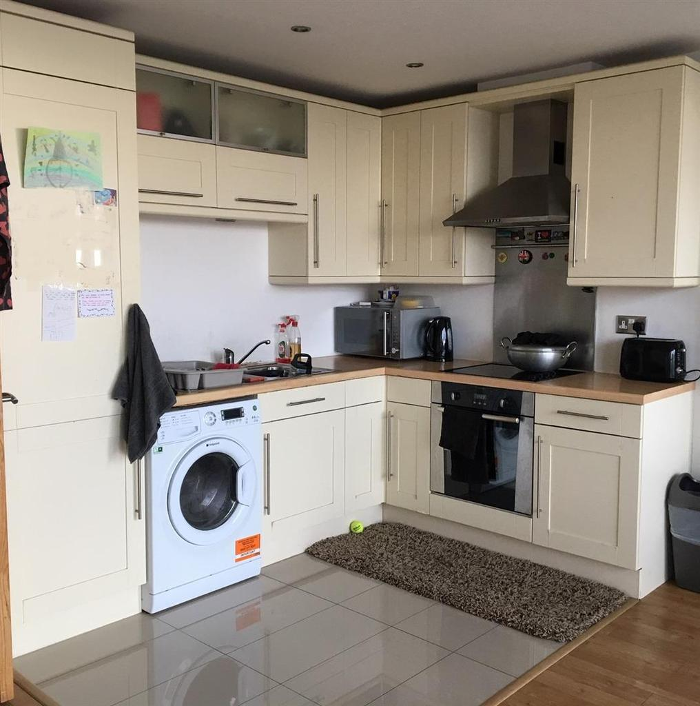 Warwickgate House, Old Trafford, Manchester 2 Bed