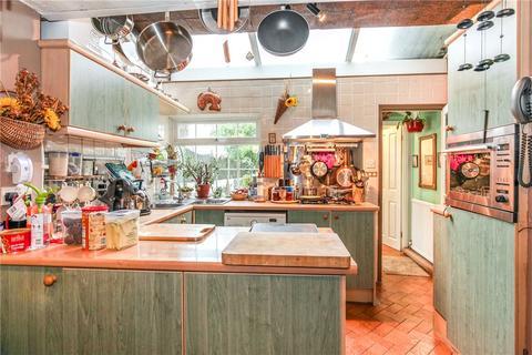 2 bedroom semi-detached house for sale - Whitehorse Lane, London, SE25