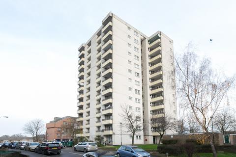 2 bedroom flat for sale - St. Nicholas Court, Highams Park, E4