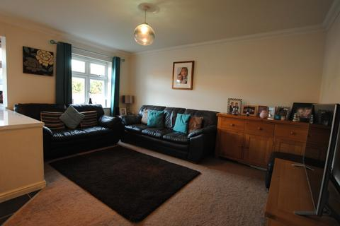 2 bedroom apartment to rent - Brighton Road, Hooley