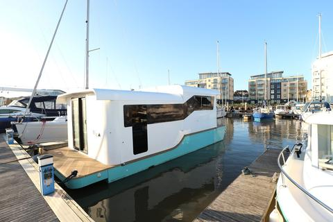 2 bedroom property for sale - The Yacht Harbour, Fort Road, Newhaven