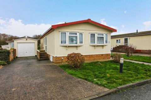 2 bedroom bungalow for sale - Willowbrook Park, Lancing