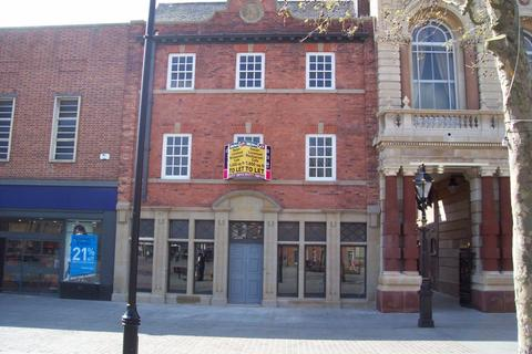 2 bedroom apartment to rent - The Square, Retford