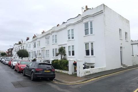 4 bedroom terraced house to rent - Osborne Villas, Hove