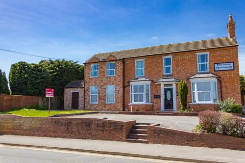 2 bedroom apartment to rent - The Globe Apartment, 354 Birmingham Road, Alcester, Warks