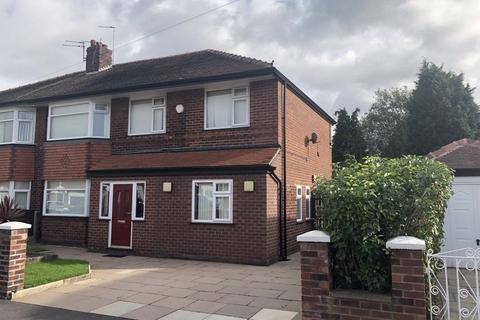 7 bedroom property to rent - Caxton Road, Manchester