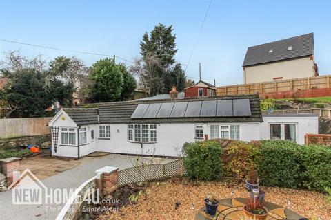 3 bedroom detached bungalow for sale - Merllyn Lane, Bagillt