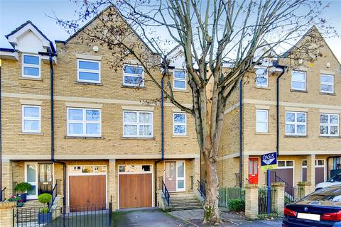 4 bedroom house for sale - Leacroft, Staines-upon-Thames, Surrey, TW18