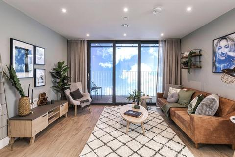 2 bedroom apartment for sale - London Square, High Street, Staines Upon Thames, Surrey, TW18