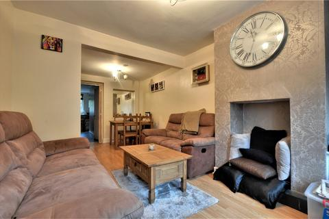 2 bedroom terraced house to rent - London Road, Staines-upon-Thames, Surrey, TW18