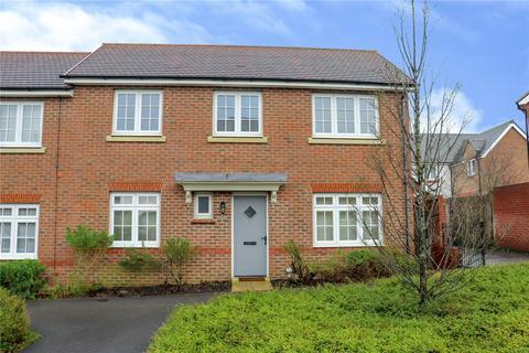 3 bedroom end of terrace house to rent - Falcon Way, Jennett's Park, Bracknell, Berkshire, RG12