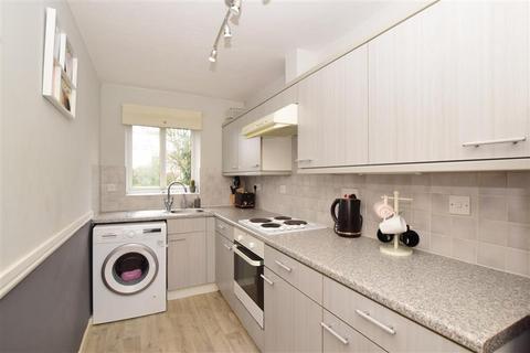 2 bedroom ground floor flat for sale - Maresfield Close, Dover, Kent