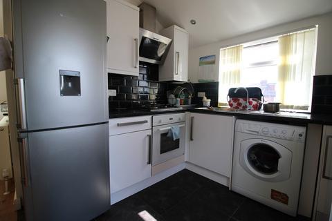 4 bedroom semi-detached house to rent - BURLEY HILL DRIVE, LEEDS, BURLEY, WEST YORKSHIRE