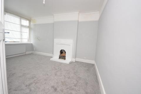 3 bedroom flat to rent - Raymead Avenue Thornton Heath CR7