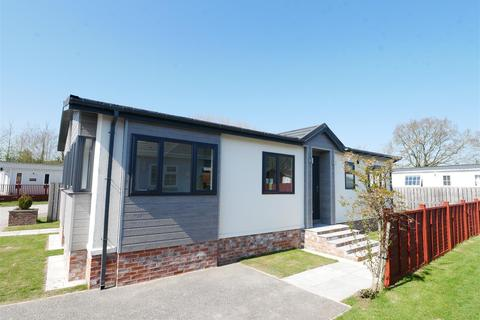 2 bedroom park home for sale - Sheriff Hutton Road, York
