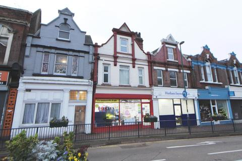 Property to rent - Luton Road, Chatham, ME4