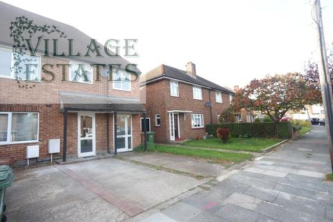 3 bedroom maisonette to rent - Frinton Road, Sidcup