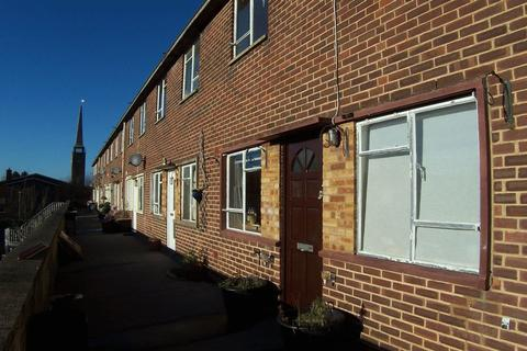 3 bedroom flat to rent - Mayflower Way, Beaconsfield
