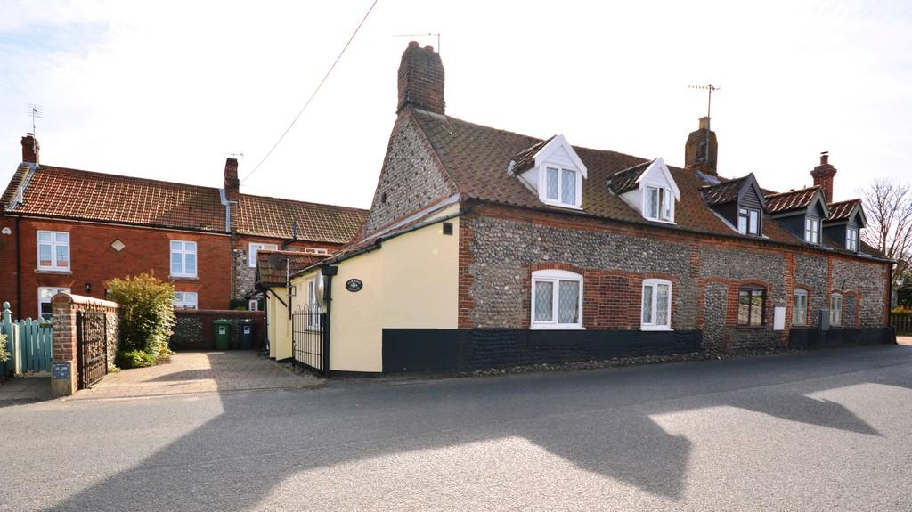 3 Bedrooms End Of Terrace House for sale in The Street, Weybourne, Norfolk