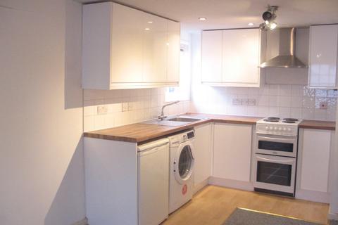 2 bedroom apartment to rent - 7 The Pantiles, Tunbridge Wells, TN2