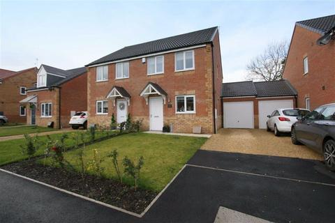 3 bedroom semi-detached house for sale - Malvins Road, Blyth, Northumberland, NE24
