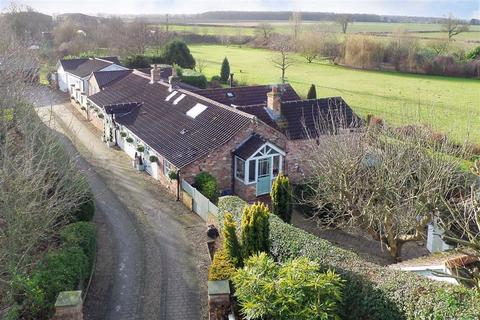 4 bedroom cottage for sale - Church Lane, High Catton