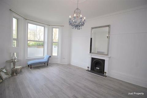 2 bedroom apartment for sale - Warrior Square, St Leonards On Sea