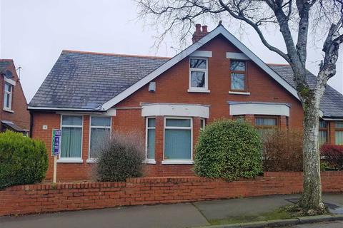 2 bedroom semi-detached bungalow for sale - Clement Place, Barry
