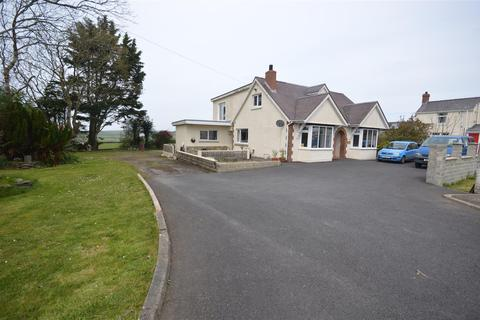 4 bedroom detached bungalow for sale - Willowdene, Cardigan