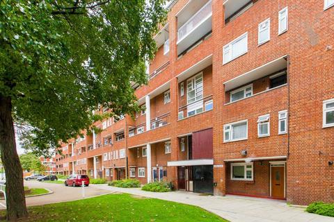 3 bedroom maisonette to rent - James House, Stepney, London