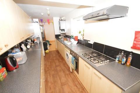 5 bedroom terraced house to rent - Hubert Road