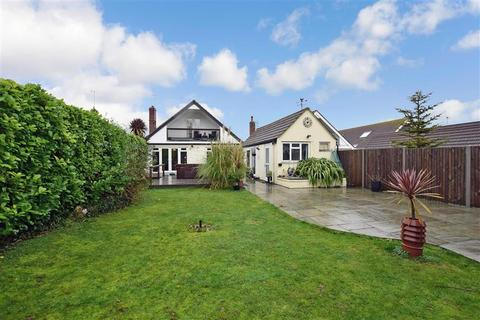 5 bedroom detached bungalow for sale - Botany Road, Kingsgate, Broadstairs, Kent