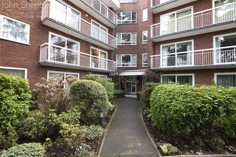 3 bedroom apartment - Woodlawn, Hampton Lane, Solihull, West Midlands, B91